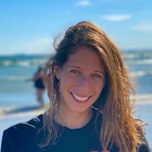 Amanda Fox Profile Image